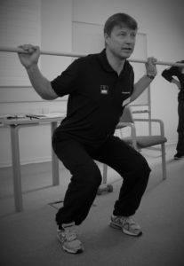 Øvelser, øvelser kiropraktor, squat øvelse, rygøvelser, øvelser til ryg, øvelser instruktion, øvelsesvejledning